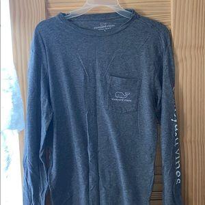 grey vineyard vines shirt